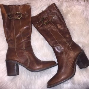 Matisse Brown leather healed boots size 8